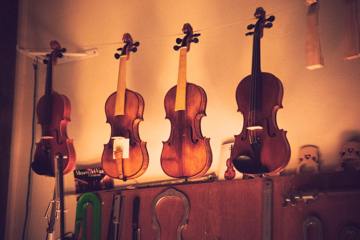 Muestrario de trabajos de Osuna Luthier Bilbao